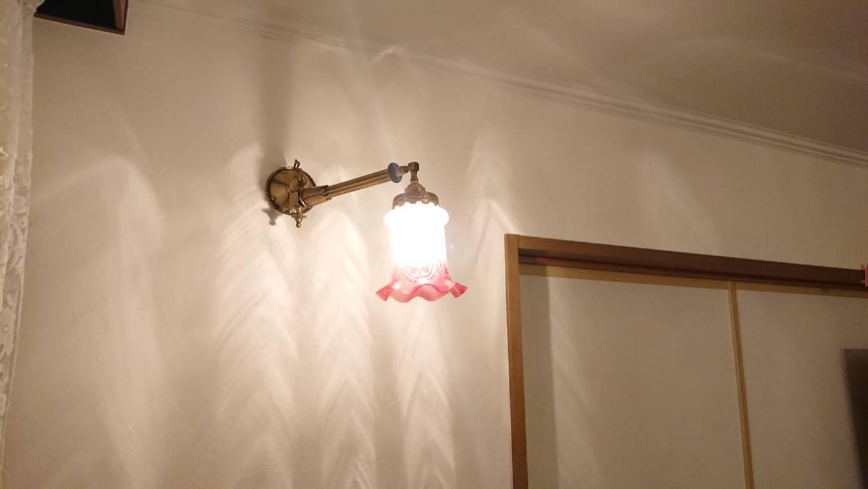 クロスの張り替え、照明交換