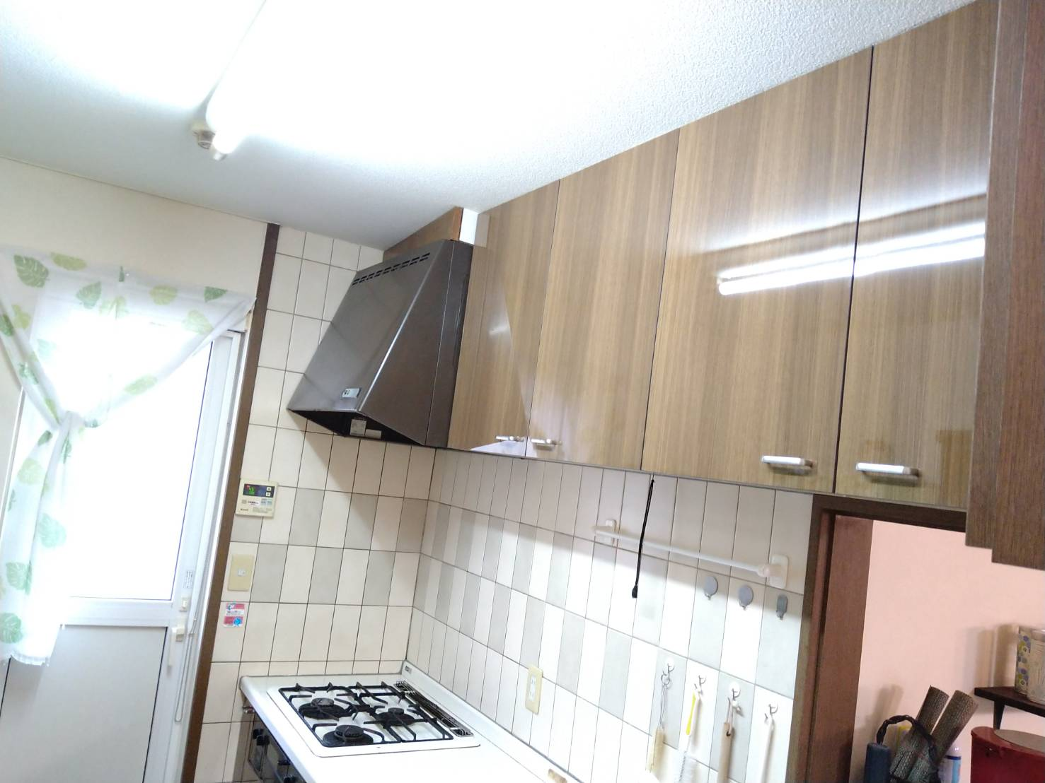 キッチン収納扉交換